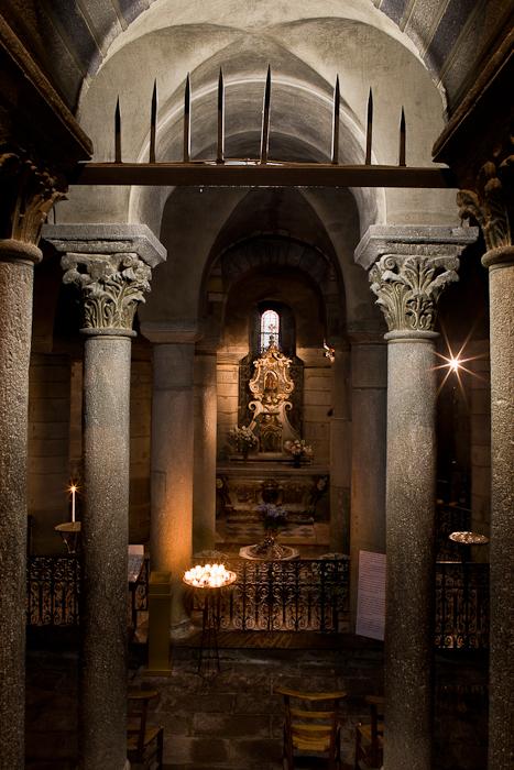 Crypt, Notre Dame du Port, Clermont-Ferrand (Puy-de-Dôme) Photo by PJ McKey
