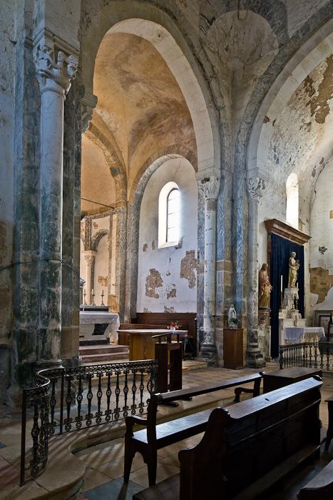 Apse from north, Église Saint-Pierre-aux-Liens,  Varenne-l'Arconce (Saône-et-Loire)  Photo by PJ McKey