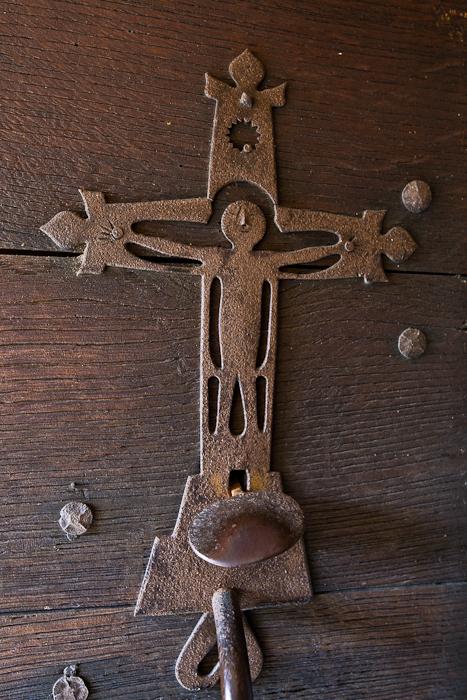 Door detail, Église Saint-Pierre-aux-Liens,  Varenne-l'Arconce (Saône-et-Loire)  Photo by PJ McKey