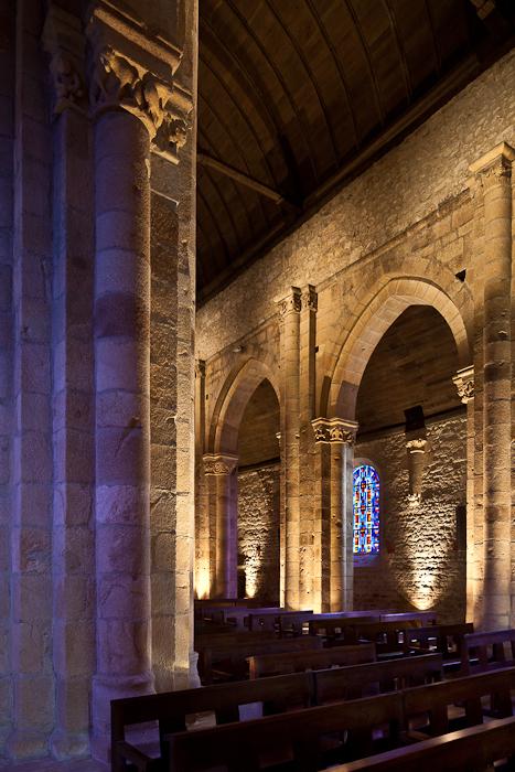 Nave elevation, Église Notre Dame de Joie, Merlévenez (Morbihan) Photo by PJ McKey