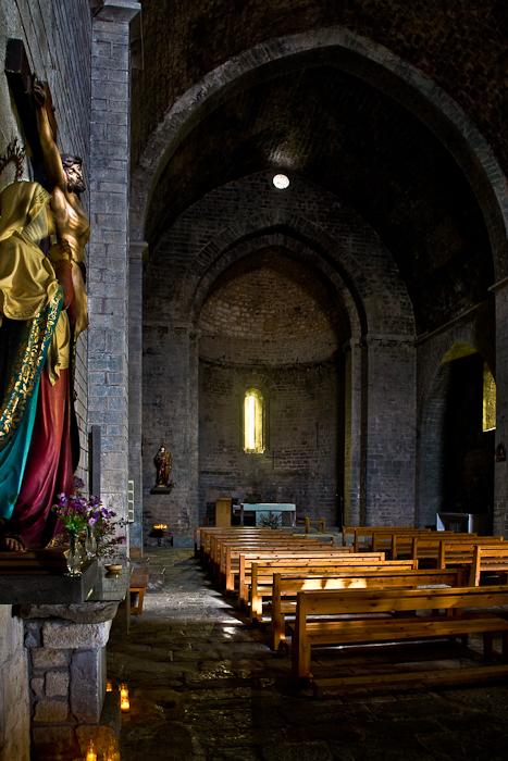 Nave, Iglesia Santa Cecília de Molló, Molló (Girona) Photo by PJ McKey