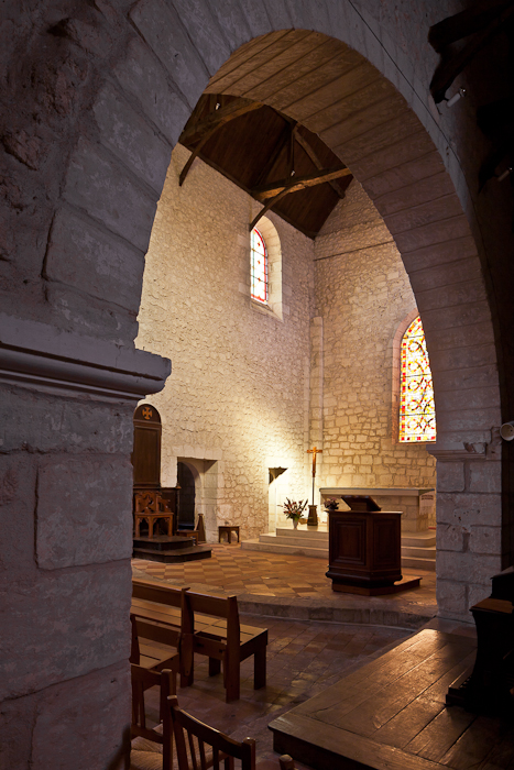 Chancel, Église Saint Jacques, Aubeterre-sur-Dronne (Charente) Photo by PJ McKey