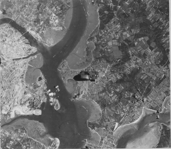 Bombing of Lorient (8th Air Force archives)