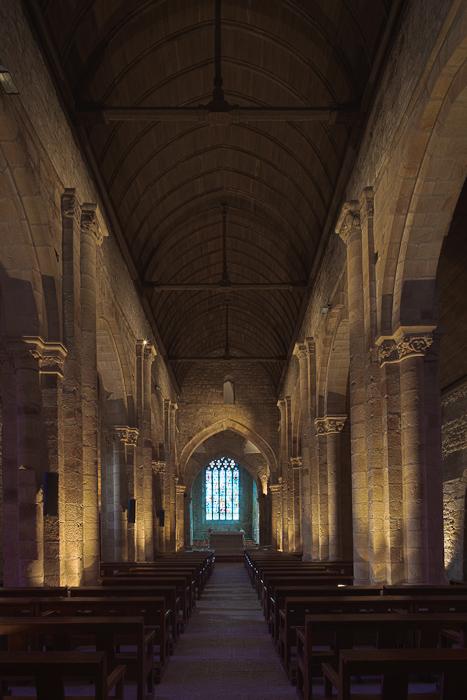 Nave, Église Notre Dame de Joie, Merlévenez (Morbihan)  Photo by Dennis Aubrey