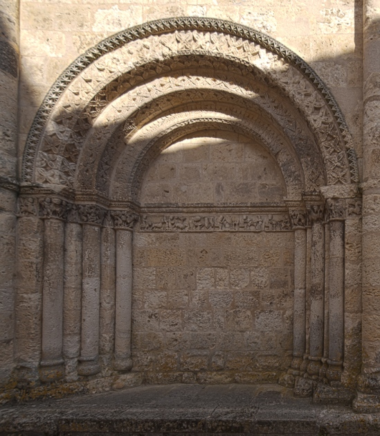 North façade portal,  Église Saint Jacques, Aubeterre-sur-Dronne (Charente) Photo by Dennis Aubrey