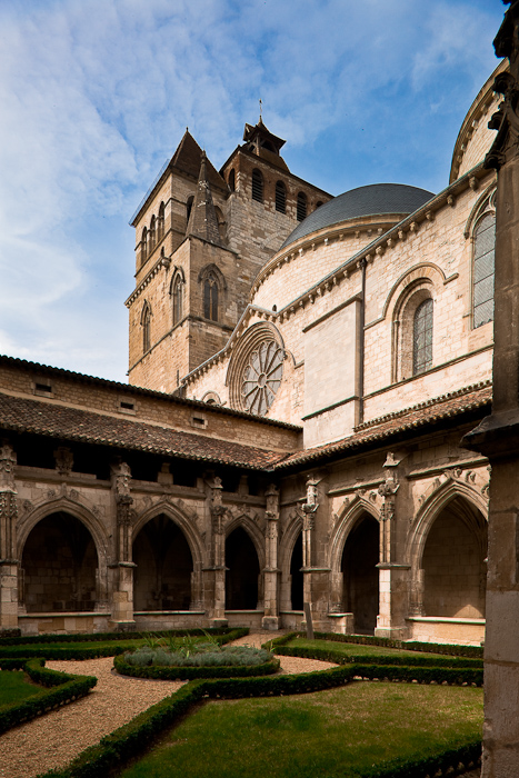 Cloister, Cathédrale Saint Etienne, Cahors (Lot) Photo by Dennis Aubrey