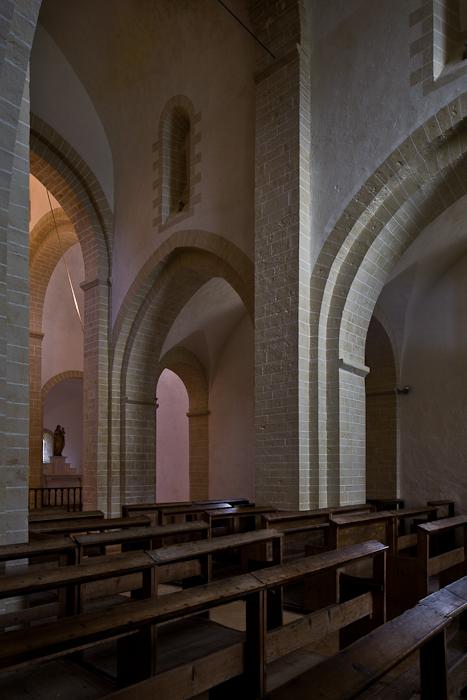 Nave elevation, Église Notre-Dame-de-la-Nativité, Malay (Saône-et-Loire) Photo by PJ McKey