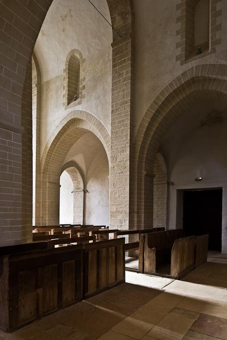 Arcade arches, Église Notre-Dame-de-la-Nativité, Malay (Saône-et-Loire) Photo by PJ McKey