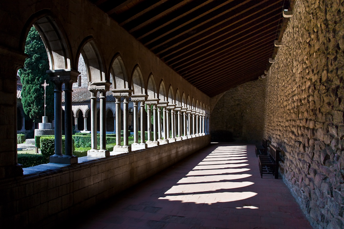 Cloister, Abbaye Sainte-Marie d'Arles-sur-Tech, Arles-sur-Tech (Pyrénées-Orientales)  Photo by PJ McKey
