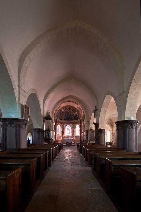Nave, Église Saint Jacques-le-Majeur, Asquins (Yonne)  Photo by Dennis Aubrey