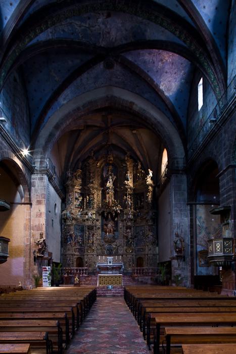 Nave,  Église Saint Pierre, Prades (Pyrénées-Orientales) Photo by Dennis Aubrey
