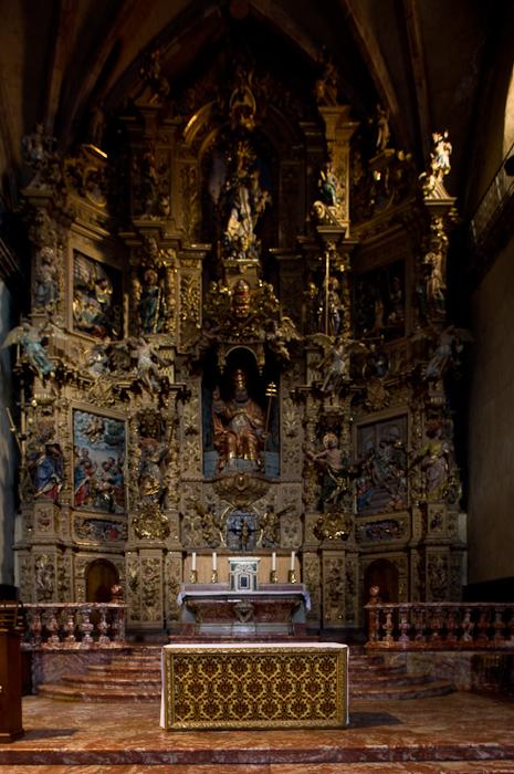 Retable, Église Saint Pierre, Prades (Pyrénées-Orientales) Photo by Dennis Aubrey