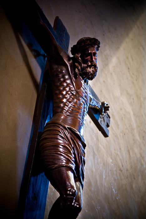 Crucifix, Église Saint Pierre, Prades (Pyrénées-Orientales)  Photo by PJ McKey