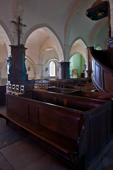 Nave from north transept, Église Saint Jacques-le-Majeur, Asquins (Yonne)  Photo by PJ McKey