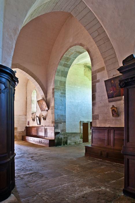 West entrance, Église Saint Jacques-le-Majeur, Asquins (Yonne)  Photo by PJ McKey