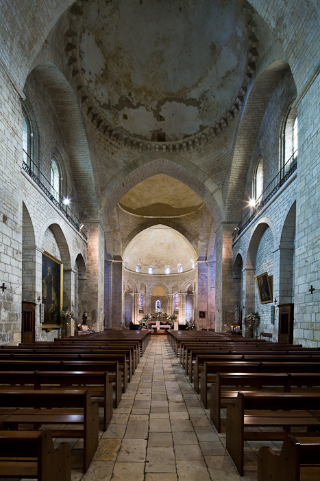 Nave, Église Sainte Marie, Souillac  (Lot)  Photo by Dennis Aubrey