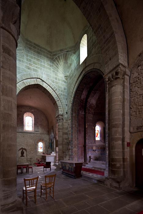 Crossing from transept, Église Saint Martin, Ygrande (Allier)  Photo by Dennis Aubrey
