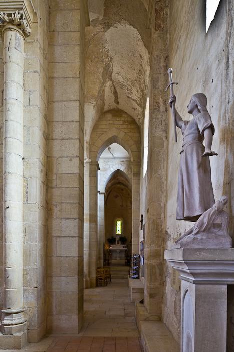 Église Saint-Paul de Châteauneuf, Chateauneuf (Saône-et-Loire)  Photo by PJ McKey