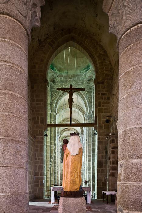 Église Notre Dame, Châtel-Montagne (Allier)  Photo by PJ McKey