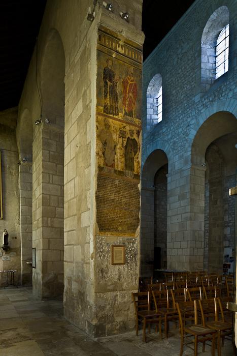 Pier frescoes, Église Saint-Léger, Ébreuil (Allier) Photo by PJ McKey