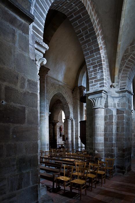 Side aisle arcade, Église Saint Martin, Ygrande (Allier) Photo by PJ McKey