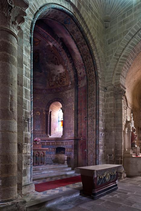 Choir from north transept, Église Saint Martin, Ygrande (Allier) Photo by PJ McKey