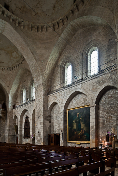 Nave elevation,  Église Sainte Marie, Souillac (Lot) Photo by PJ McKey