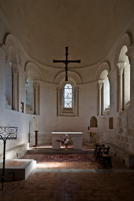 Choir, Notre Dame de Echillais, Echillais (Charente-Maritime)  Photo by PJ McKey
