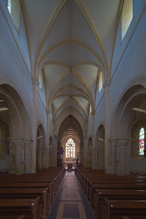 Nave, Église Notre-Dame-de-l'Assomption, Sainte Marie-du-Mont (Manche) Photo by Dennis Aubrey