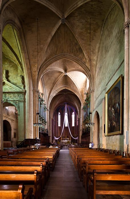 Gothic nave,  Cathédrale Saint Sauveur, Aix-en-Provence (Bouches-du-Rhône)  Photo by Dennis Aubrey