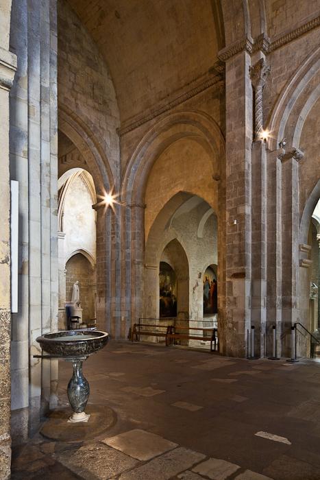 Romanesque nave, Cathédrale Saint Sauveur, Aix-en-Provence (Bouches-du-Rhône)  Photo by PJ McKey