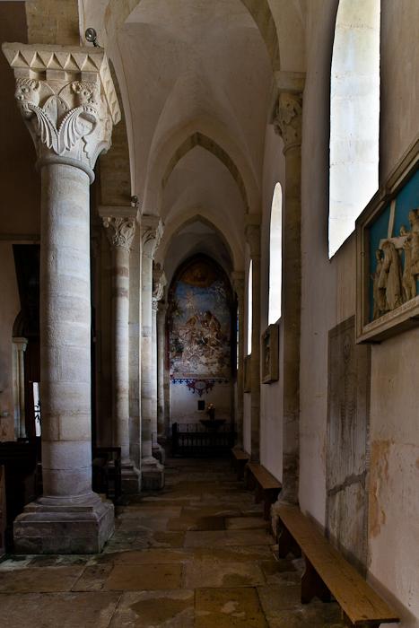 South side aisle, Église Saint-Révérien de Saint-Révérien, Saint-Révérien (Nièvre) Photo by PJ McKey