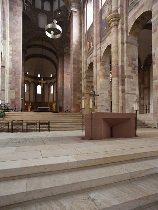 Chancel, Imperial Cathedral Basilica of Saint Mary and Saint Stephen, Speyer (Rhineland-Palatinate)  Photo by Jong-Soung Kimm