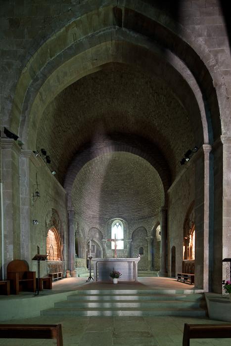 Apse, Cathédrale Notre Dame de Nazareth, Vaison-la-Romaine (Vaucluse)  Photo by Dennis Aubrey