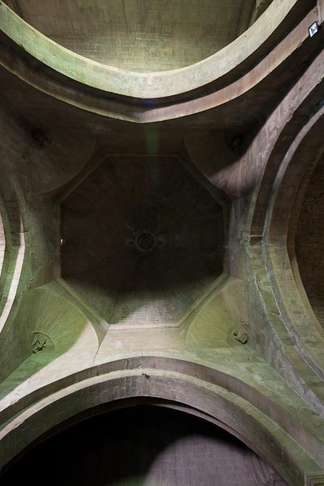 Chancel dome, Cathédrale Notre Dame de Nazareth, Vaison-la-Romaine (Vaucluse)  Photo by Dennis Aubrey