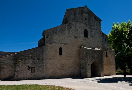 West front, Cathédrale Notre Dame de Nazareth, Vaison-la-Romaine (Vaucluse) Photo by Dennis Aubrey