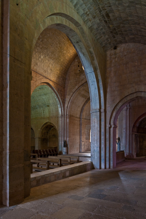 View from side aisle, Abbaye de Thoronet, Le Thoronet (Var)  Photo by PJ McKey