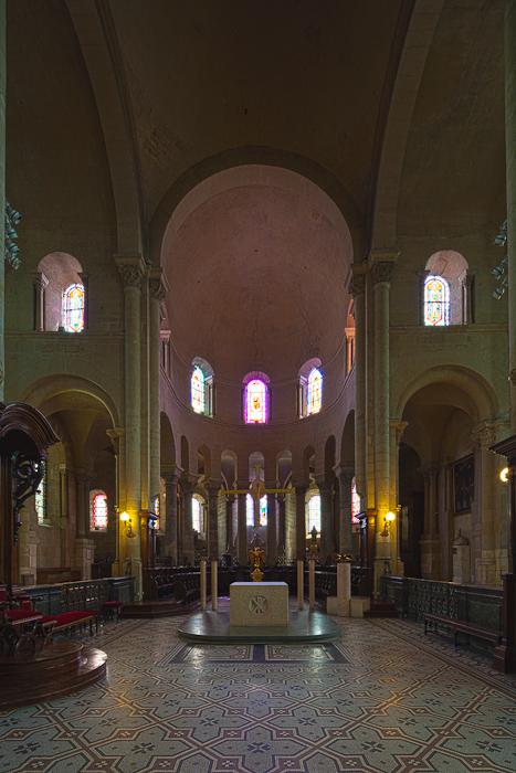 Apse, Cathédrale Saint-Apollinaire, Valence (Drôme)  Photo by Dennis Aubrey