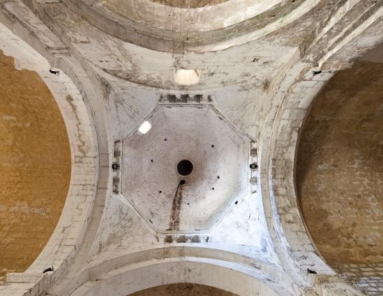 Crossing dome, Église Saint Pierre de Larnas (Ardèche) Photo by Dennis Aubrey