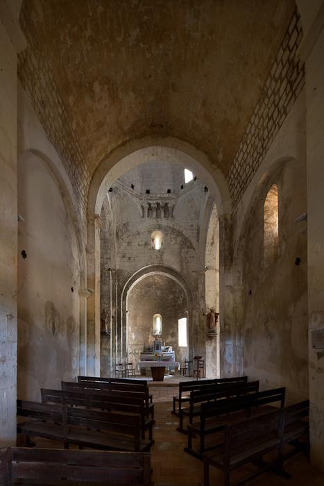 Nave, Église Saint Pierre de Larnas (Ardèche)  Photo by Dennis Aubrey