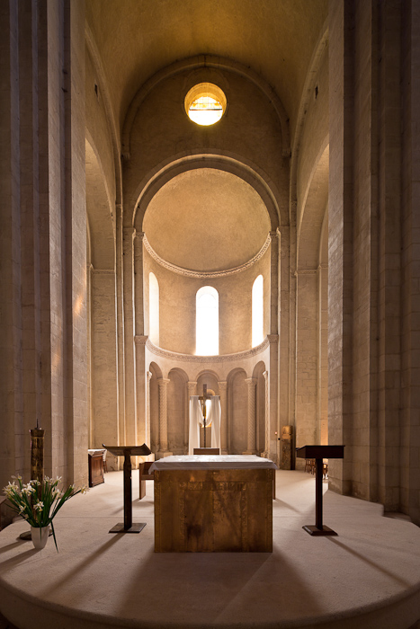 Apse, Église Saint Andéol, Bourg-Saint-Andéol (Ardèche)  Photo by Dennis Aubrey