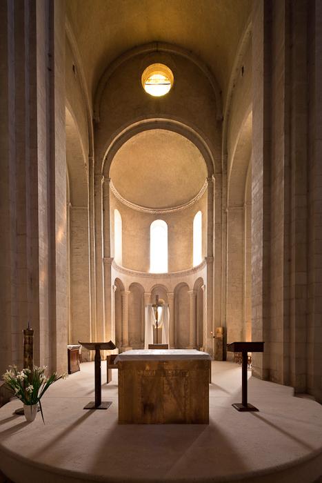 Apse, Église Saint Andéol, Bourg-Saint-Andéol (Ardèche)  Photo by Dennis Aubrey