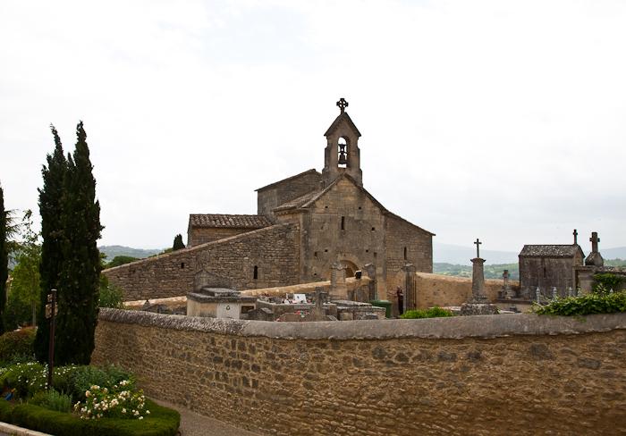 West facade, Église Saint Pantaléon, Saint Pantaléon (Vaucluse)  Photo by Dennis Aubrey