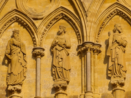 Facade sculpture, Cathedral of the Blessed Virgin Mary, Salisbury (Photo by Nathan Mizrachi