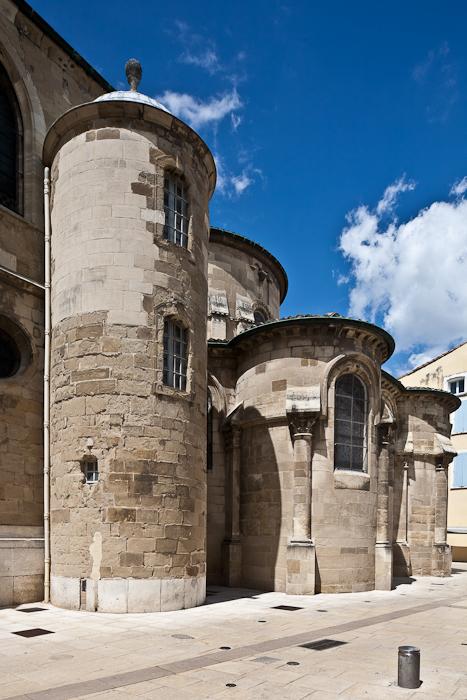 Chevet, Cathédrale Saint-Apollinaire, Valence (Drôme) Photo by PJ McKey