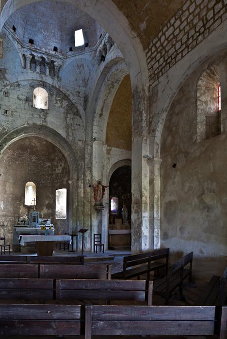 Crossing from nave, Église Saint Pierre de Larnas (Ardèche) Photo by PJ McKey