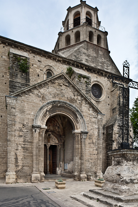 Exterior, Église Notre Dame du Lac, Le Thor (Vaucluse) Photo by PJ McKey