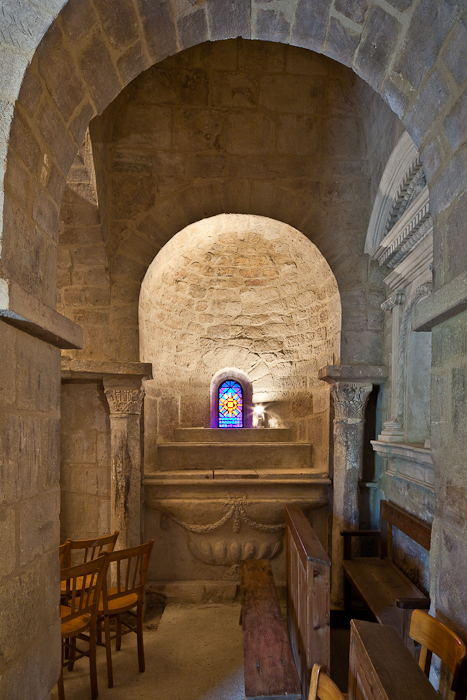 Transept chapel, Église Saint Pantaléon, Saint Pantaléon (Vaucluse)  Photo by PJ McKey