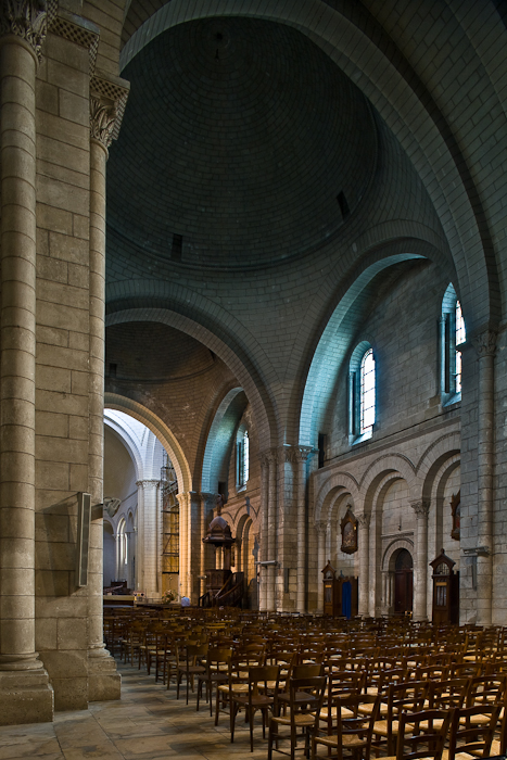 Elegant Nave Elevation, Cathédrale Saint Pierre, Angoulême (Charente) Photo By PJ  McKey