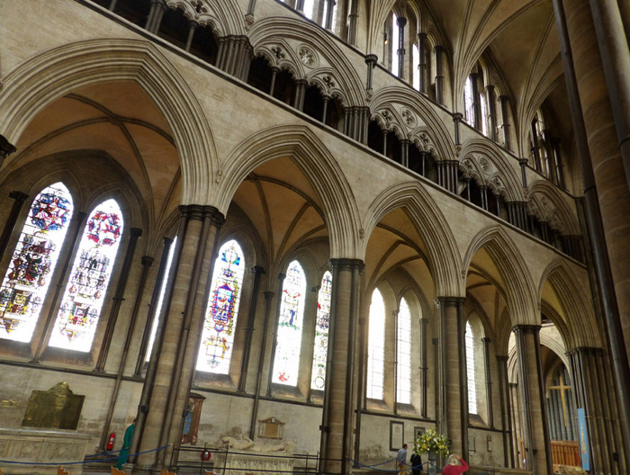 Nave elevation, Cathedral of the Blessed Virgin Mary, Salisbury (Photo by Nathan Mizrachi